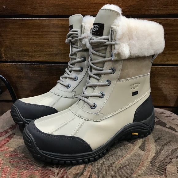 68073c5d3a3 UGG Adirondack II Boot Color Sand NWT